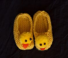 knitted ducky booties!!  Hey all my knitting buddies!  Aren't these cute.....Kniit*Witt.