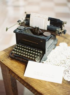 Typewriter wedding decor / Ozzy Garcia Photography