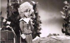 Hviezdne dieťa, 27´, 1985 Bábková hra na Ondreja Sliackeho na motívy rozprávky Oscara Wildea o ľudskej šľachetnosti. Výtvarník: Cigánová Hana Réžia: Chudík Jozef