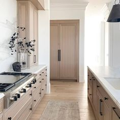 Halloween decorations in a neutral kitchen. Subtle Halloween decorations in a neutral kitchen. Luxury homes for the win! Home Decor Kitchen, Kitchen Interior, Home Kitchens, Kitchen Hacks, Rustic Kitchens, Decorating Kitchen, Grey Kitchens, Kitchen Cleaning, Small Kitchens