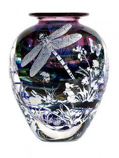 Gold Ruby Graal Dragonfly Vase by Jonathan Harris Dragonfly Decor, Dragonfly Jewelry, Dragonfly Tattoo, Vases, Jonathan Harris, Jugendstil Design, Pots, Design Crafts, Clay Design