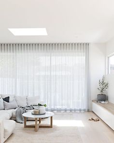 Photography // the main living from Kirkwood project - soft sheers. Home Living Room, Living Area, Living Room Designs, Living Room Decor, Living Spaces, Living Room Blinds, Living Room Inspiration, Home Decor Inspiration, Home Interior