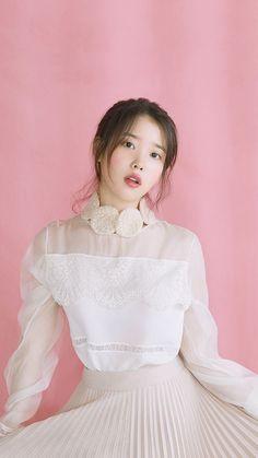 Trash To Couture, Korean Beauty, Asian Beauty, Iu Twitter, Iu Fashion, Soyeon, Korean Actresses, Beautiful Asian Girls, Girl Crushes