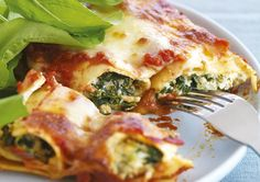 Spinach & Ricotta Cannelloni with Tomato Sauce