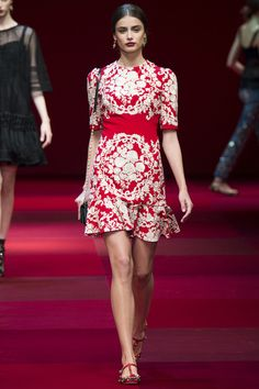 Dolce & Gabbana Spring 2015 RTW – Runway – Vogue such a Spanish vibe