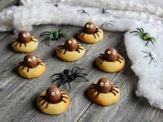 Ricetta per Biscotti col ragno Halloween Party, Pudding, Eggs, Breakfast, Desserts, Food, Morning Coffee, Tailgate Desserts, Deserts