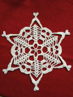 ERISHKIGAL SKULLY SNOWFLAKE Here is the pattern you've been waiting for! This winter, a friend posted a picture of a paper skully snowfl...