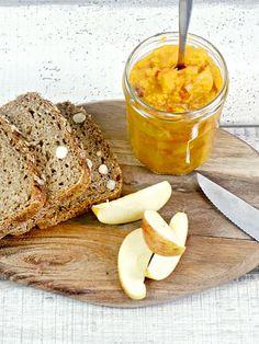 Süß-saures Kürbischutney passt perfekt zur Herbstküche. So geht's!