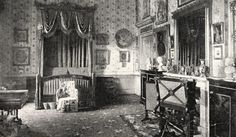 Her Majesty's bedroom At Buckingham Palace, circa 1891. (Photo by: Universal…