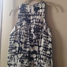 Cynthia Rowley Abstract Linen Dress Beautiful linen Cynthia Rowley dress. Linen fabric is an abstract black and white pattern. Dress is in great used condition. Cynthia Rowley Dresses Strapless