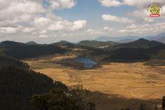 Hermosa vista de la montaña. Valle de Bravo. Campamentos México. PIPIOL.