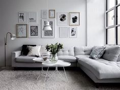 Minimalist living room is completely important for your home. Because in the living room all the events will starts in your lovely home. locatethe elegance and crisp straight Minimalist Living Room Table. investigate more on our site. Modern Minimalist Living Room, Elegant Living Room, Minimalist Home Decor, Living Room Grey, Interior Design Living Room, Living Room Designs, Living Room Decor, Modern Living, Minimalist Bedroom