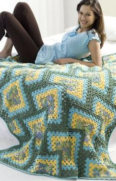 I don't love the colors, but the design of this afghan really appeals to me.