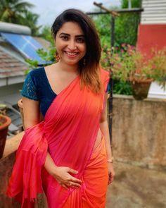 Exclusive stunning photos of beautiful Indian models and actresses in saree. Indian Actress Hot Pics, Most Beautiful Indian Actress, South Indian Actress, Indian Actresses, Beauty Full Girl, Beauty Women, Saree Look, Indian Models, Beautiful Girl Image