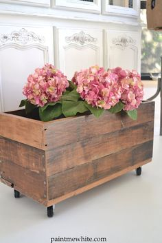 Planter box with casters ~ pretty!