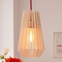 Use plywood to make this industrial-style wooden pendant light. The natural finish adds industrial charm that is perfect for lighting up a living room, dining room or bedroom. Vintage Kitchen Sink, Light Project, Nature Decor, Apartment Interior, Living Room Decor, Dining Room, Bohemian Decor, Interiores Design, Montage