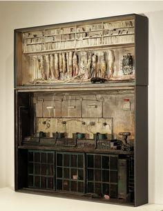 Marc Giai-Miniet - Des peaux d'archives (SIDE) #marcgiaiminiet #boxes #jonathanlevinegallery