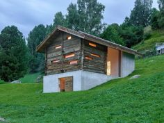 the project involves converting a barn-cum-stable situated in central valais. Swiss House, Barn Renovation, Metal Homes, Cabins In The Woods, Design Case, Modern House Design, Cabana, Architecture Design, Cottage