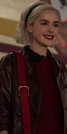 6 shows die je deze winter moet binge kijken Sabrina Cast, Netflix Tv Shows, Kiernan Shipka, Sabrina Spellman, Film Serie, Aesthetic Clothes, New Hair, Short Hair Styles, Hairstyle