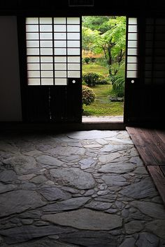 Entrance by mrhayata on Flickr - View to the Japanese garden at Rokuohin Temple in Kyoto-shi (Kyoto), Kyoto Prefecture, Japan