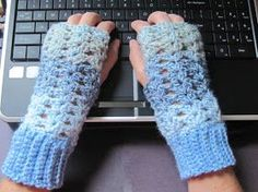 Lc: fun and easy and quick and cute! I added two more rows of shells on top so they would cover my knuckles and shortened the cuffs. Only takes an hour to complete these!---------- Getting Hooked: Free Crochet pattern fingerless gloves