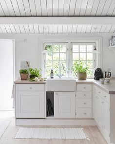 uploaded by cyndi White Cottage Kitchens, Beach House Kitchens, Home Kitchens, Rustic Kitchen, Quirky Kitchen, Knoxhult Ikea, Summer House Interiors, Backyard Guest Houses, Luxury Modern Homes