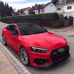 Audi Rot mit schwarzem Akzent - Autos - Design de Carros e Motocicletas Audi Rs5, Allroad Audi, Audi Quattro, Audi A5 Coupe, Audi Sedan, Rs5 Coupe, Audi Sport, Sport Cars, Red Audi