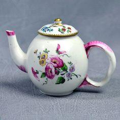 Mennecy Porcelaine Tendre Petite Théière 18ème Bouquets | eBay