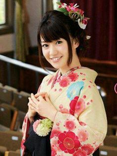 Singer, dancer, model, actress AND kimono designer Yuko Oshima.  Is there anything Yuuchan cannot do?
