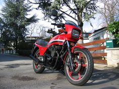 Kawasaki Classic, Motorcycle Types, Honda S, Bike, Vehicles, Buckets, Mobiles, Image, Brain