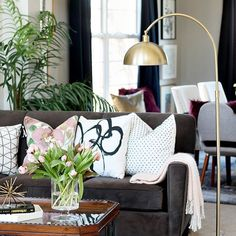 Blush Bold Spring Living Room Tour 2018 Spring Tour Of Homes Pillow Pattern Play This Is Our Bliss Bold Living Room, Living Room Modern, Living Room Sofa, Living Rooms, Interior Design Themes, Interior Decorating, Eclectic Decor, Eclectic Bedrooms, Room Tour