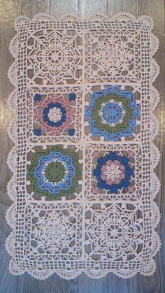 合細毛糸でトルコタイル風レース編み 8枚繋ぎ の画像|野の花手芸噺