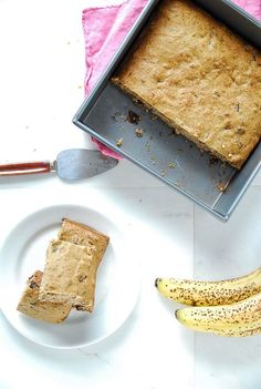 Banana Chocolate Chip Snack Cake// thefrostedvegan.com