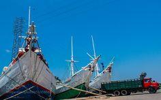 perahu di kalimas surabaya by rudysamosir
