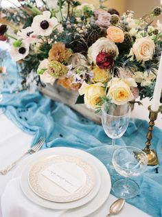 Beautiful centerpiece: http://www.stylemepretty.com/2015/03/01/midwest-snowy-bridal-session/ | Photography: Jake Anderson - http://jakeandersonphoto.com/