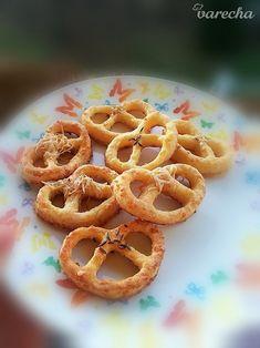Naše naj praclíky - recept   Varecha.sk Onion Rings, Ethnic Recipes, Food, Basket, Meal, Essen, Hoods, Meals, Onion Strings