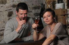 Agnès et Pierre-Antoine vous reçoivent à la cave pour une dégustation du lundi au samedi, de 9h à 12h30 et de 14h à 18h30.