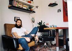 Conheça os Parisienses que Pagam Pequenas Fortunas para Morar em Apartamentos Microscópicos