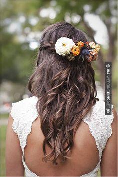 peinado con flores para novias campestres