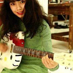 Music Instruments, Guitar, Actresses, Beauty, Fumi, Women, Girls, Hello Kitty, Doll