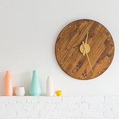 Now that Summer's all but over, the clock watching is setting back in and this DIY retro clock will definitely make it a little less painful, don't you think? See the how-to on #sugarandcloth!