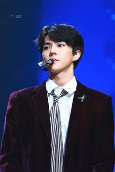 Sehun - 171229 2017 KBS Gayo Daejun  Credit: Iridescent Boy. (2017 KBS 가요대축제) Exo Awards, Rapper, Sehun Cute, Chansoo, Celebrity List, Tv Actors, Chinese Boy, Kyungsoo, Beautiful Boys