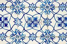 azulejo: Azulejos portugais, le vieux fond bleu carrelé.