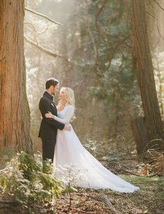 Gorgeous engagement photos in the woods