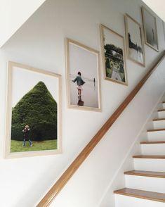 Fotowand selber machen Wandgestaltung im Treppenhaus