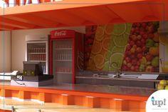 Este é um projeto coringa para quem quer abrir um comércio alimentício ou de bebidas. Um container de 15m² que necessitadeum terreno pequeno, mas que é espaçoso o suficiente paratrabalhar.Pode ser umbarzinho, um restaurantedelivery, uma lanchonete, um quiosque ou uma sorveteria, por exemplo. Com algumasmesas e cadeiras à sua frente se torna um charmoso ponto de encontro.
