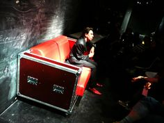 Flightcase sofa- stuff to sit on?