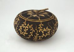 Gourd Art Pyrography by James Dollar Photographed by Carole Dwinell