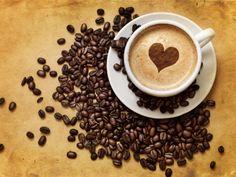 タイトル『Coffee - 6be98』のスマホ用無料壁紙です。関連キーワード:「熱さ」「飲食物」「飲み物」「新鮮」「横長」「極端なクローズアップ」。