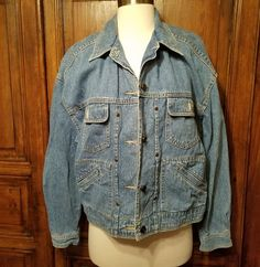 f90cee08d4 Vintage 80 s Acid Wash Denim Jacket Liz Authentic Claiborne Medium Womens  Jacket  LizClaiborne  Jacket